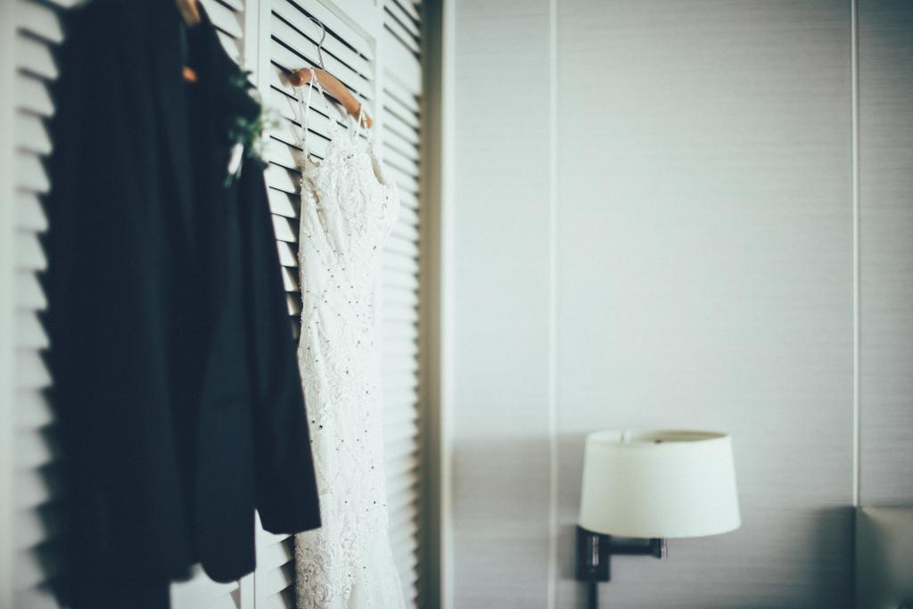 ハワイウェディング ベターハーフ ハレクラニ ウェディングドレス タキシード